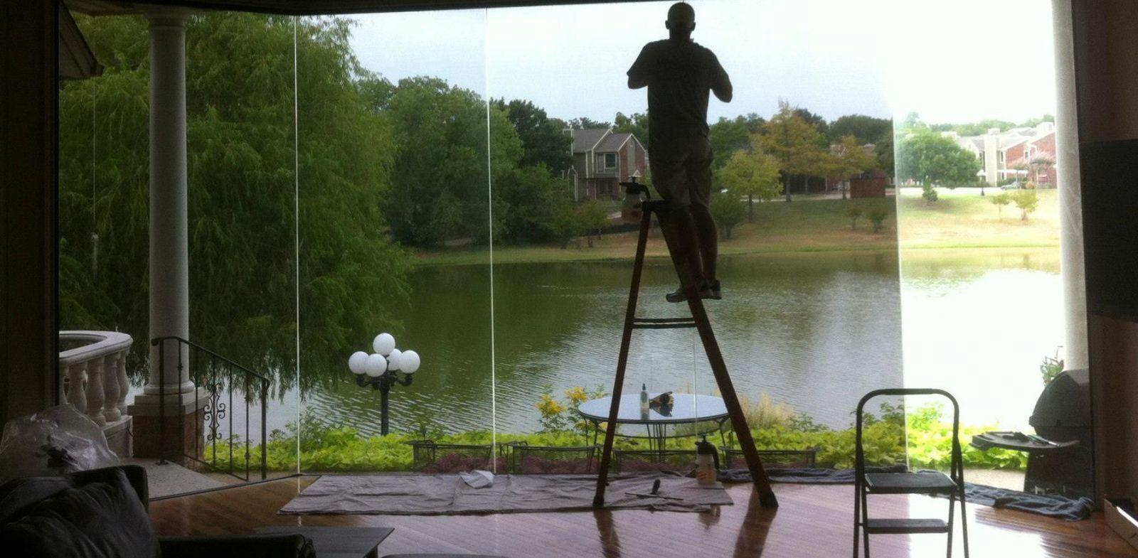 Dán kính cửa sổ nhà chống nắng